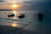 BAL131009J0003  Sunset over shore with boats, Nusa Lembongan, Bali, Indonesia